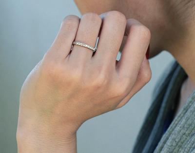 エタニティーリング ダイヤモンド 0.18ct ハードプラチナ950の装着イメージ写真
