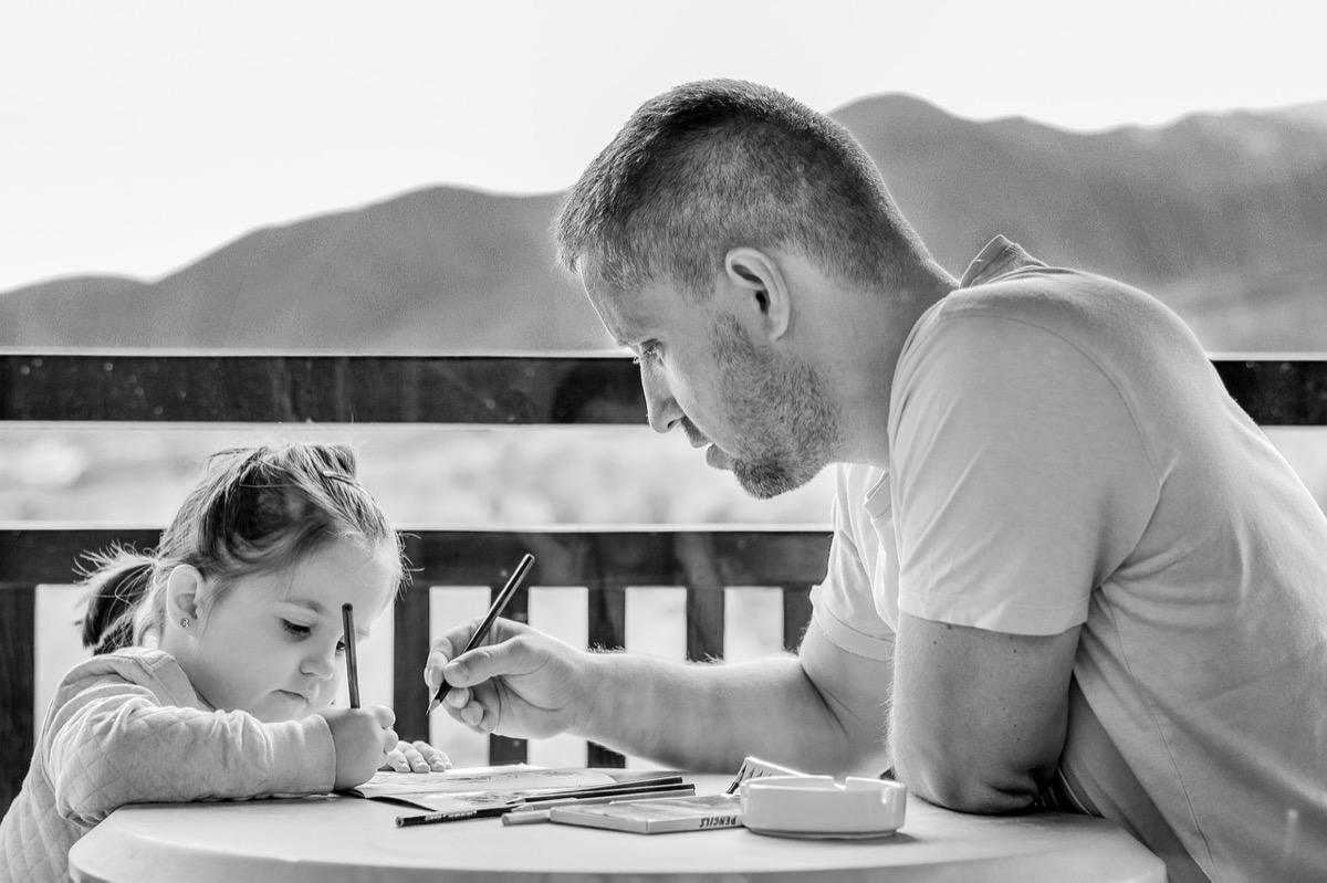 パパ KREVAが2人の娘と使っている超便利な文房具3選!